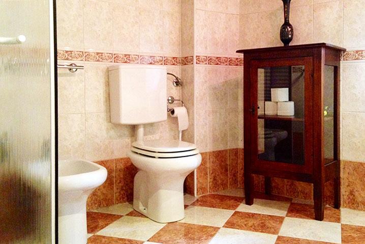 bagno appartamento Michelangelo