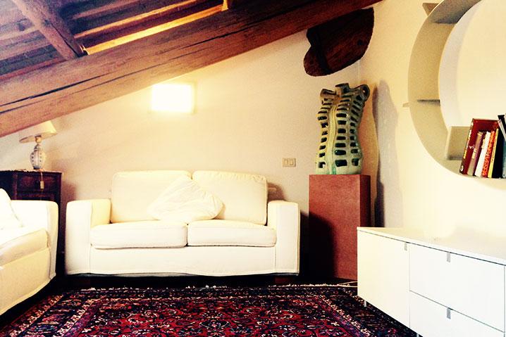 salotto appartamento Michelangelo