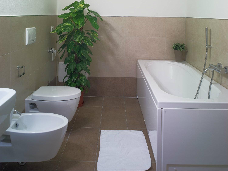 bagno vasca appartamento 205