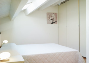 camera appartamento 205