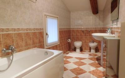 bagno appartamento Leonardo