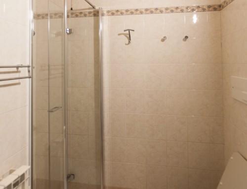 Castle view bagno con doccia