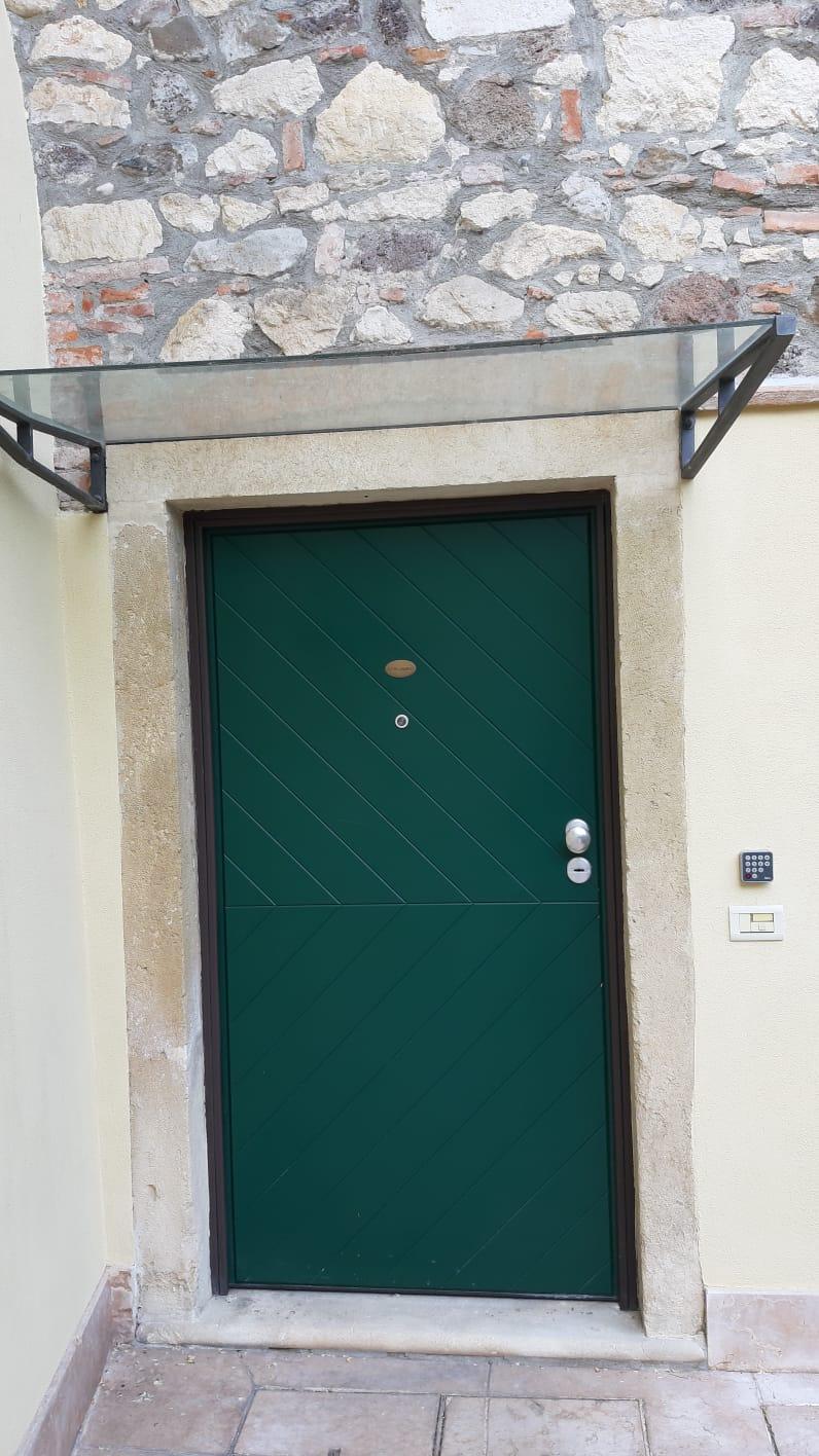 door with keypad apartment Michelangelo