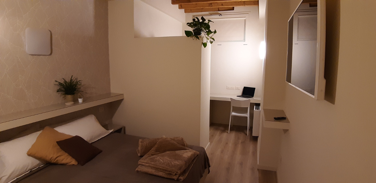 company guesthouse room with bathroom L2